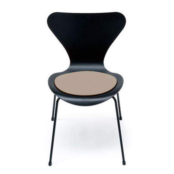 stuhlauflage jacobsen serie 7 braunmeliert von heysign. Black Bedroom Furniture Sets. Home Design Ideas