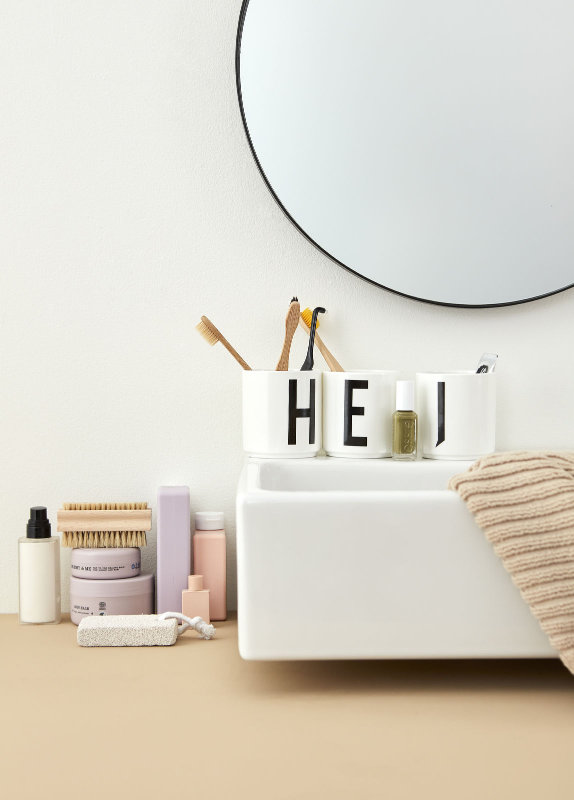 tasse a von design letters bei erkmann. Black Bedroom Furniture Sets. Home Design Ideas