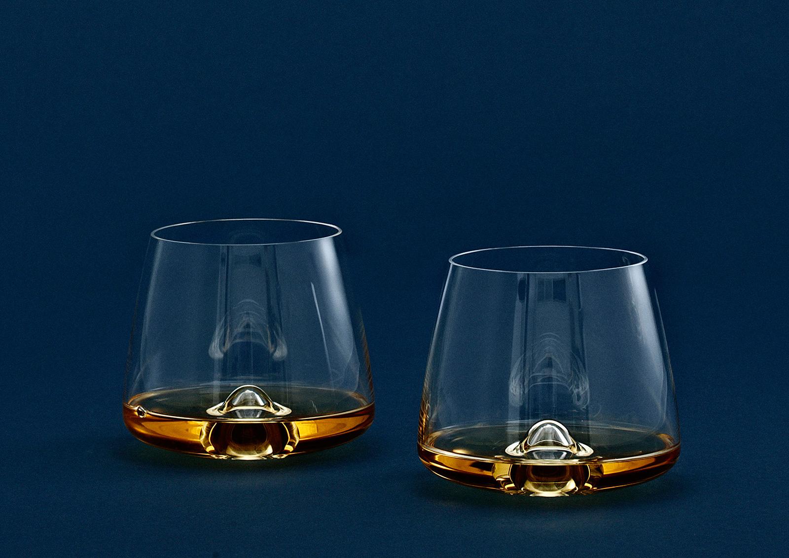 whisky gl ser 2 teilig von normann copenhagen. Black Bedroom Furniture Sets. Home Design Ideas