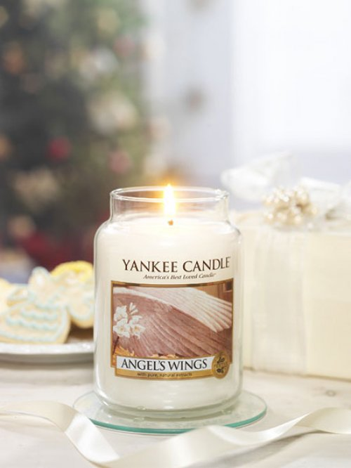 duftkerze angels wings 104g von yankee candle bei erkmann. Black Bedroom Furniture Sets. Home Design Ideas