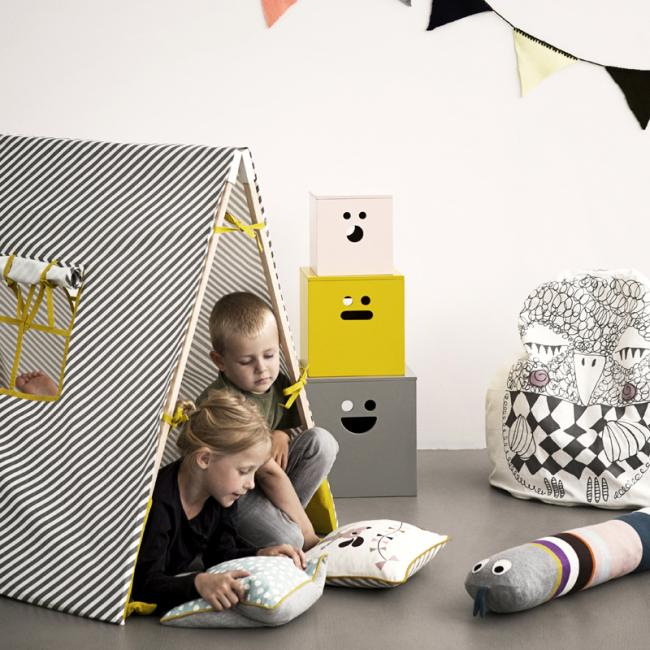 kissen dots hellblau von ferm living. Black Bedroom Furniture Sets. Home Design Ideas