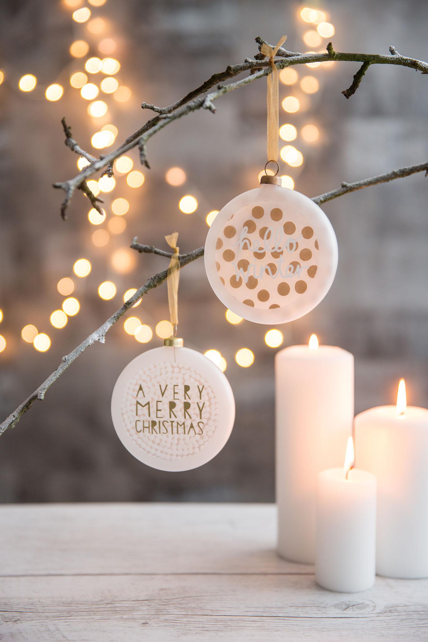 christbaum medaillon a very merry christmas von r der design. Black Bedroom Furniture Sets. Home Design Ideas