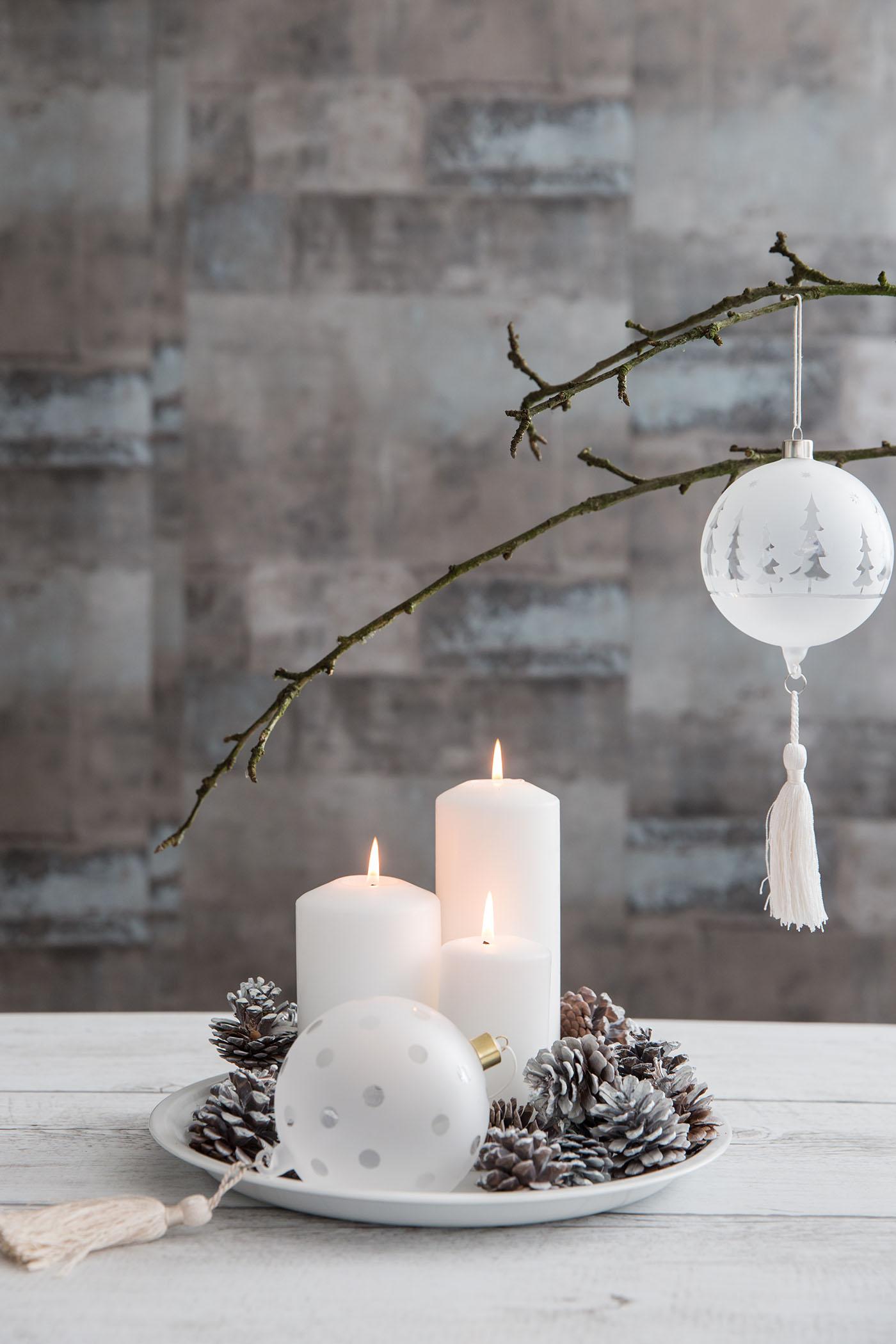 christbaumkugel mit troddel punkte von r der design. Black Bedroom Furniture Sets. Home Design Ideas