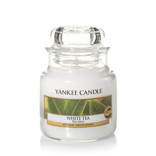 duftkerze housewarmer white tea 104g von yankee candle. Black Bedroom Furniture Sets. Home Design Ideas