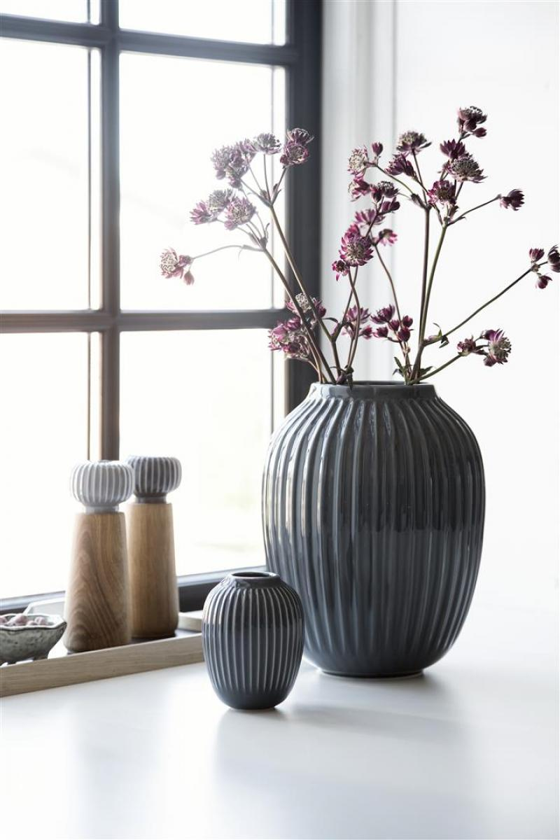 vase hammersh i anthrazit 25cm von k hler design. Black Bedroom Furniture Sets. Home Design Ideas