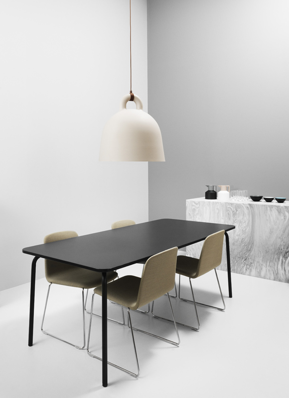 lampe bell black s von normann copenhagen bei erkmann. Black Bedroom Furniture Sets. Home Design Ideas