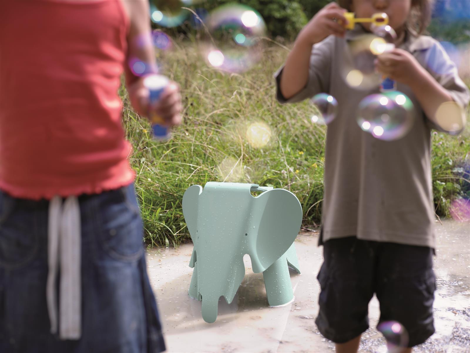 Hocker eames elephant wei von vitra for Eames tisch nachbau