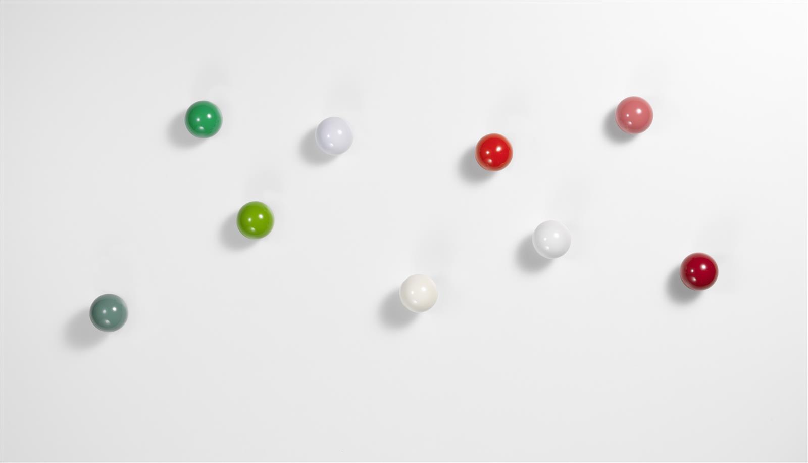 Wandhaken coat dots rot 3 teilig von vitra for Garderobe dots