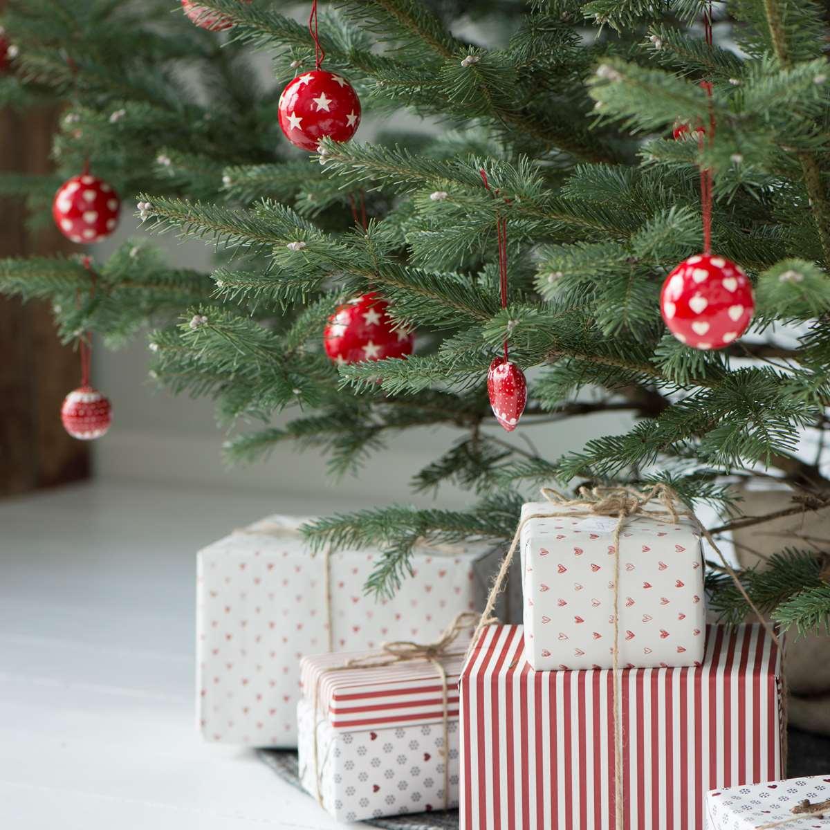 christbaumschmuck kugel mit sternen mittel von ib laursen. Black Bedroom Furniture Sets. Home Design Ideas