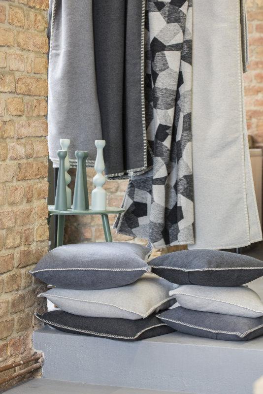 kissenh lle sylt uni filz mel von david fussenegger. Black Bedroom Furniture Sets. Home Design Ideas