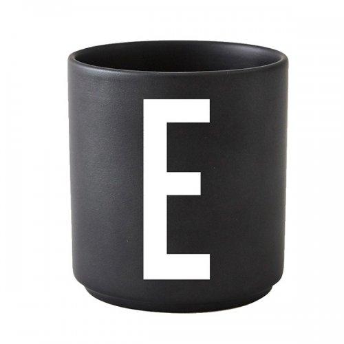 design letters tasse schwarz buchstabe e eur 20 00. Black Bedroom Furniture Sets. Home Design Ideas